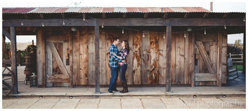 wedding-vineyard-windmill-engagement_0279