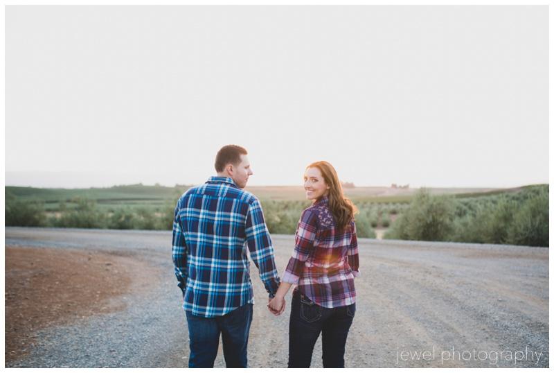 wedding-vineyard-windmill-engagement_0281