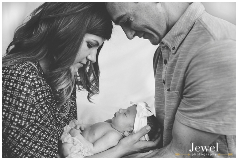 newborn-fall-family-pumpkin-photographer_0576