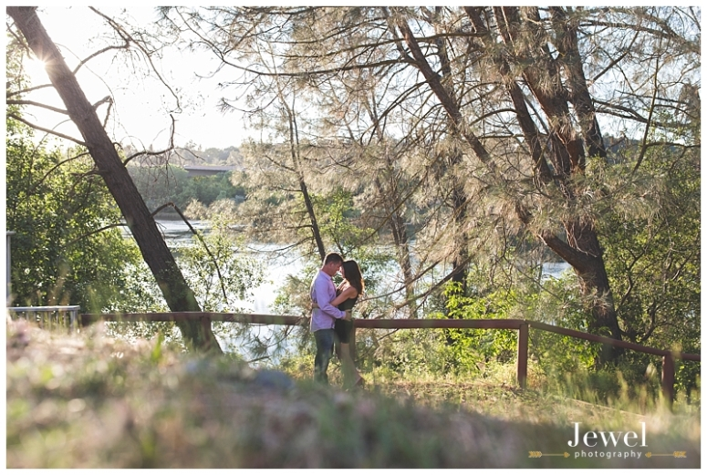 engagement-couple-historic-bridge_0614