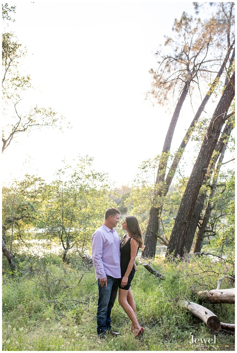 engagement-couple-historic-bridge_0617
