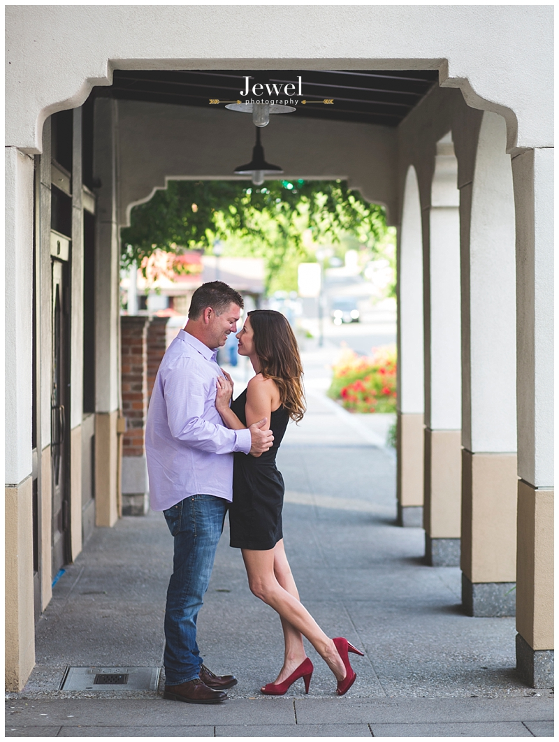 engagement-couple-historic-bridge_0624