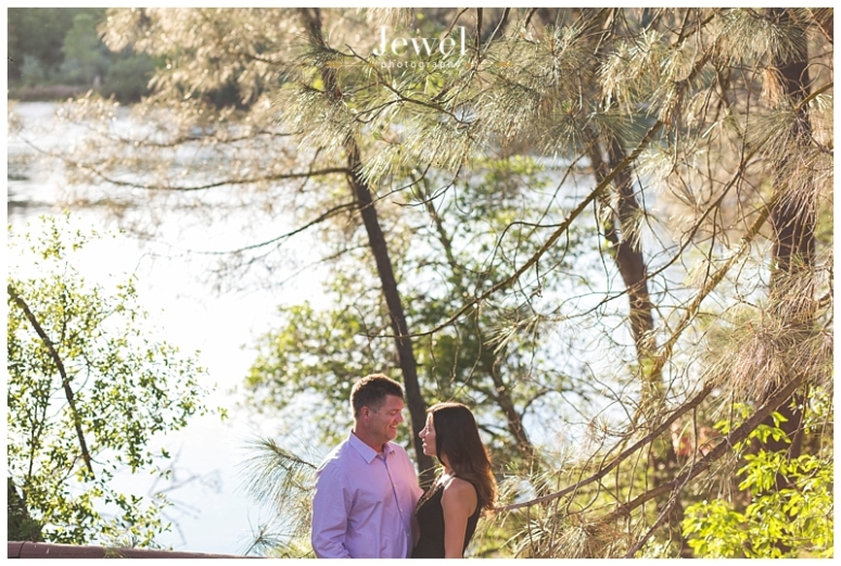 engagement-couple-historic-bridge_0626