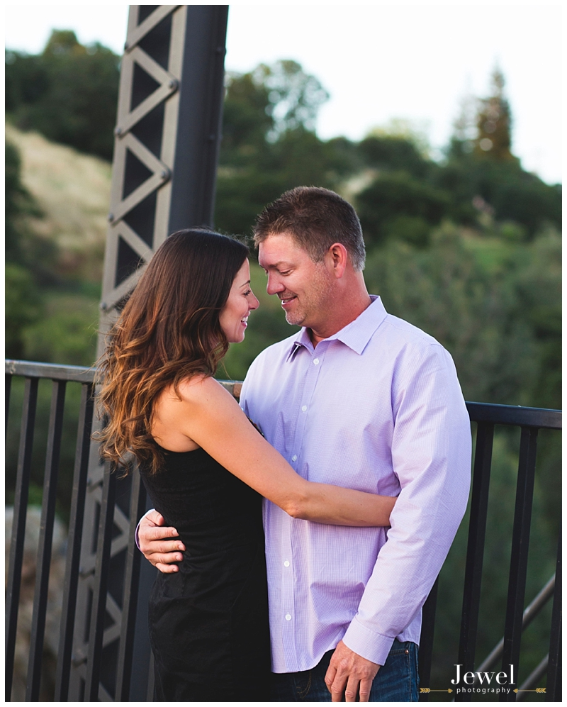 engagement-couple-historic-bridge_0632