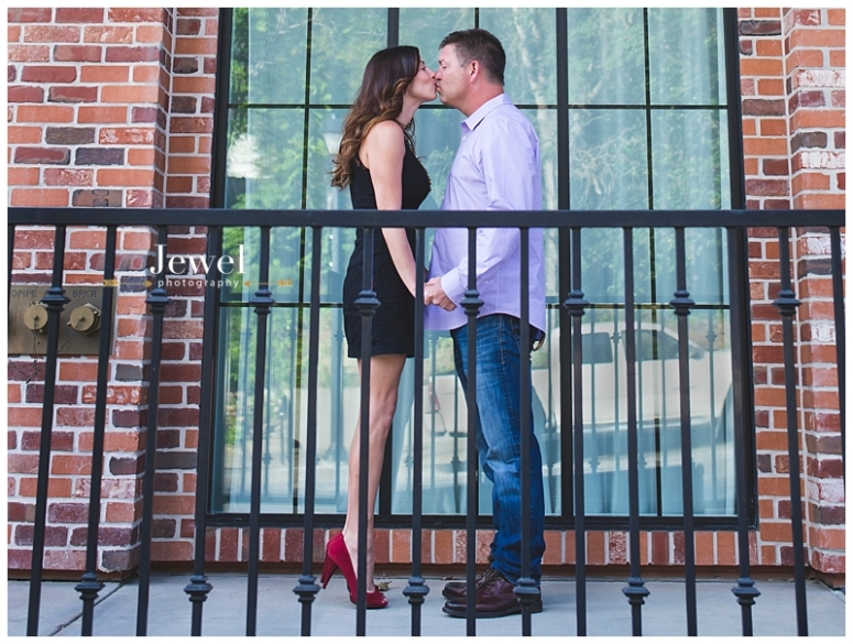 engagement-couple-historic-bridge_0634